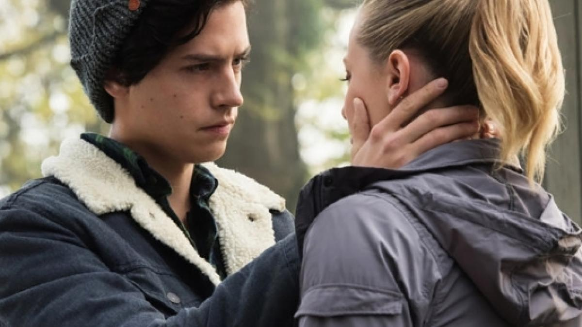 Riverdale Co Stars Cole Sprouse And Lili Reinhart Are Dating