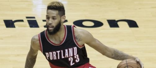Allen Crabbe Trail Blazers at Wizards 1/16/17 by Keith Allison via Wikimedia Commons