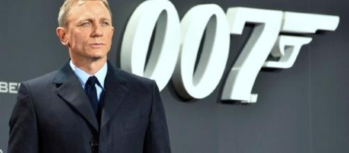 Daniel Craig will reportedly reprise his role in the upcoming 'Bond 25' film/Photo via GlynLowe, Wikimedia Commons