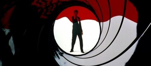 James Bond 25 news, plot, cast, release date, Daniel Craig return ... [Image source: Youtube Screen grab]