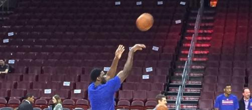 Joel Embiid working on his shots | Wikimedia Commons