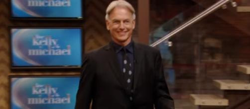Mark on Live with Kelly and Micheal - Image - densitivafan   YouTube