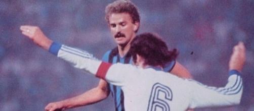 Prohaska contrastato da Stefanescu in Inter-Universitatea Craiova 2-0, Coppa dei Campioni 1980/81