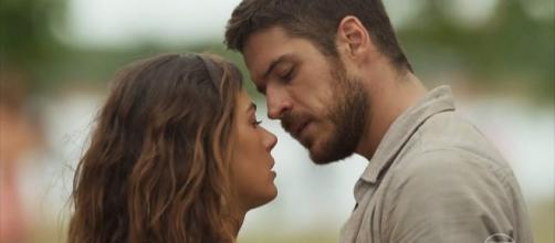 Zeca não vai resistir ao encanto da Sereia (Foto: Divulgação/Rede Globo)