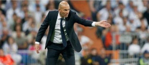 Zidane realizó un descarte ante el Granada | Defensa Central - defensacentral.com
