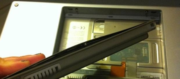 MacBook Pro Battery/ photo by Jessica Mullen via Flickr