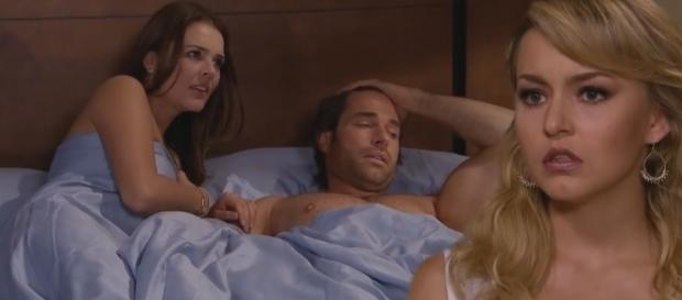 Montserrat pega Alessandro e Maria na cama