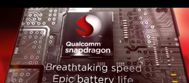 Qualcomm's new chipset is anticipated to be available in Samsung's new mobile phones. [Image via YouTube/Qualcomm Snapdragon Channel]