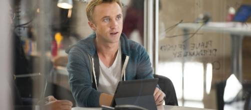Flash : Tom Felton écarté de la série - The Flash - ign.com