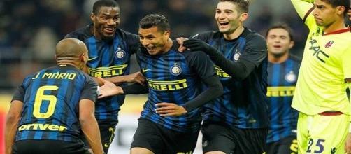 Il Valencia propone uno scambio all'Inter