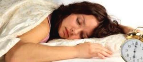 Meglio assumere vitamine antiossidanti se si dorme meno di 6-8 ore, per non prendere peso.