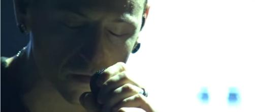 Rolling In The Deep Cover Chester Bennington - Numael Rolda/YouTube