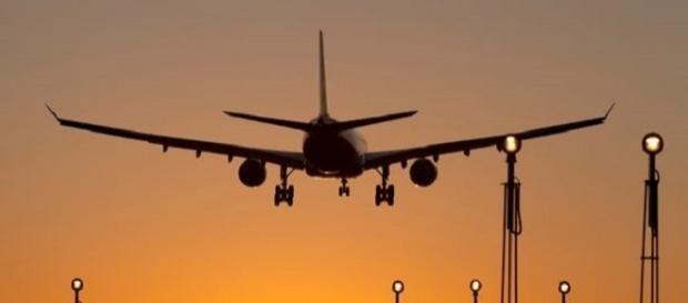 Caso denunciado aconteceu dentro de avião (Foto: Reprodução)