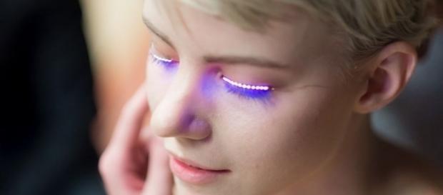 Fashion of the future: interactive led f lashes.lashes . scienews.com