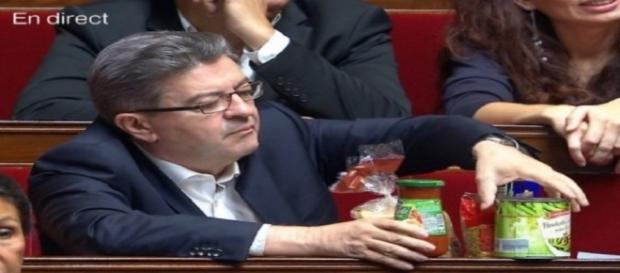 Jean-Luc Mélenchon présente ses 5 Euros de courses