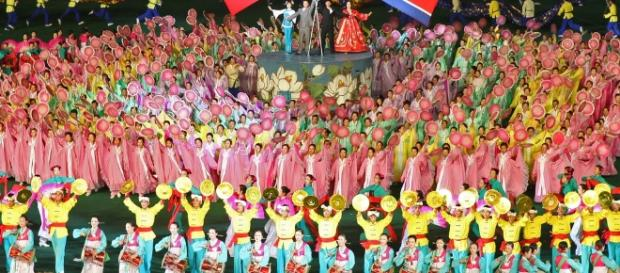 North Korea and China friendship by Roman Harak via (Flickr)