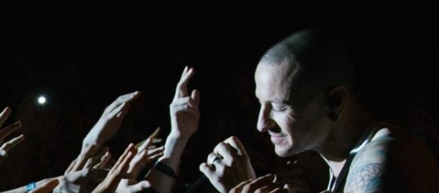 The family already confirmed a public viewing for Chester Bennington's funeral (via Facebook/Linkin Park)