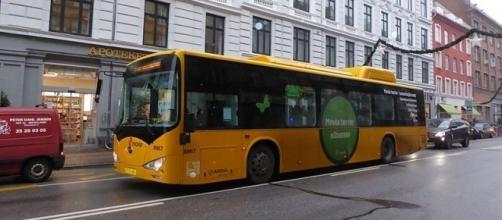 Electric bus on test in Copenhagen (credit – Leif Jorgensen – wikimediacommons)