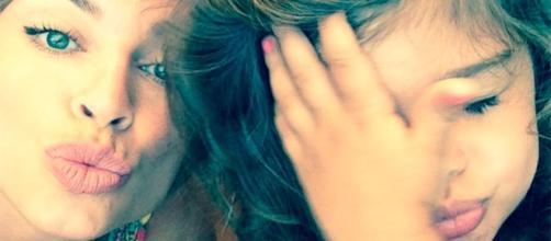 Grazzi e a pequena Sofia, filha da atriz com o ator Cauã Reymond