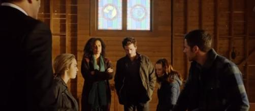 """Manfred helps clear Bobo's name in """"Midnight Texas"""" Episode 2, """"Bad Moon Rising."""" (Photo:YouTube/TVPromosDB)"""