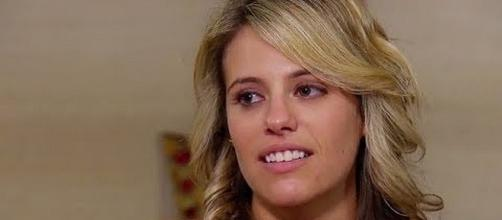 """""""Married at First Sight"""" Ashley was first to say she wanted to stay married [Image:YouTube screenshot]"""