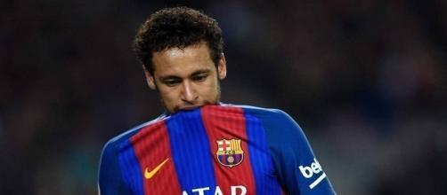 Neymar abandona el entrenamiento del Barcelona F.C.