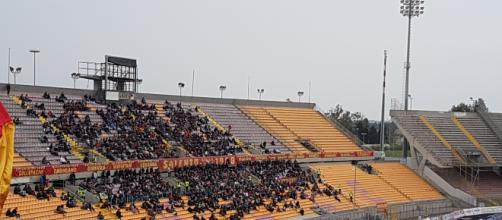 Pochi spettatori per la prima del Lecce in casa.