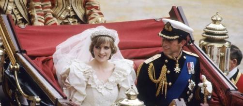 Segundo jornal britânico, princesa Diana teria dito que a família real era composta por lagartos (crédito:Google)