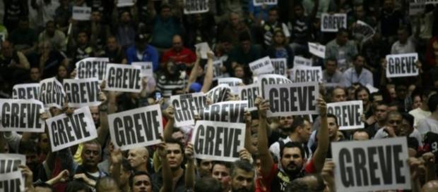 Na próxima terça-feira poderá ter greve dos metroviários e ferroviários em São Paulo