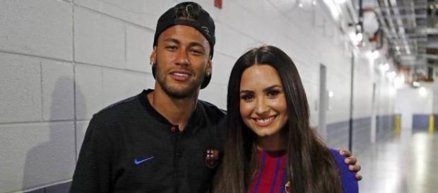 Neymar y Demi Lovato durante la gira del Barcelona por EE.UU.
