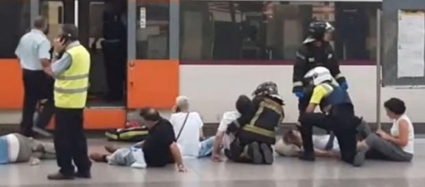 Photo scene after the train crash in Barcelona, Spain [Image: YouTube/Cities of the World]
