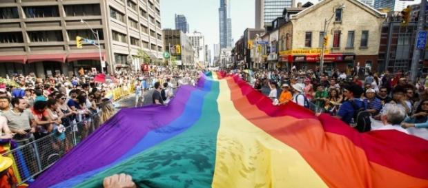 Parada LGBT realizada na França