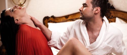 Coisas que alguns homens querem que as mulheres façam num relacionamento