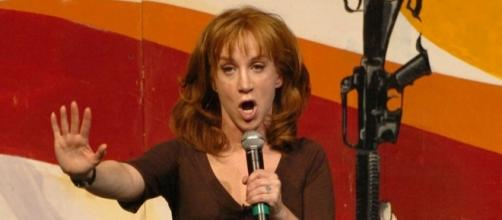 Kathy Griffin clarifies report about her alleged sentence for decapitated photo of Donald Trump. (Wikimedia/Sgt. Dallas Walker)