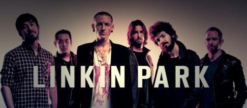 Linkin Park endorses fans' worldwide tribute to Chester Bennington. Photo via Wikimedia Commons