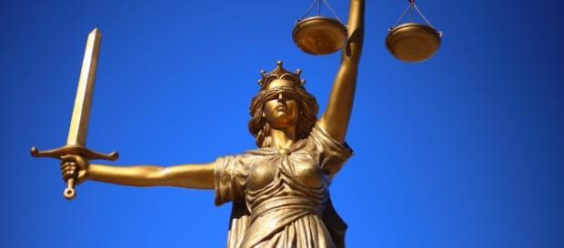 Lady Justice (Photo Courtesy Pixabay)