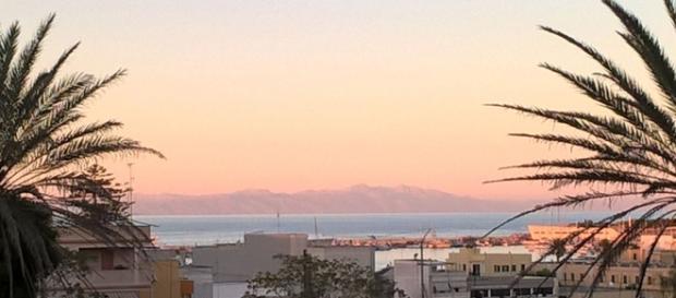 Le foto delle montagne albanesi riprese da Otranto.