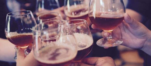 People who drinks moderate amount of alcohol every week were less likely to develop diabetes- Pixabay