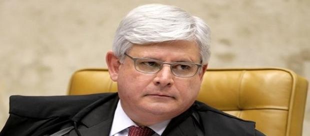 """Procurador-Geral da República, Rodrigo Janot decide retomar investigação da chamada """"farra das passagens""""."""