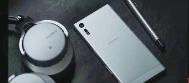 Sony Xperia XZ1 - YouTube/GadgetGeeks Channel