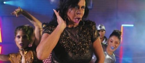 Gretchen participou do novo clipe de Katy Perry, depois da cantora receber gifs da musa brasileira dos memes (Foto: Divulgação)