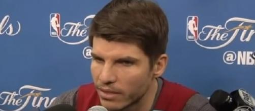 Kyle Korver agreed to a 3-year, $22 million deal with the Cavaliers -- NBA Interviews via YouTube