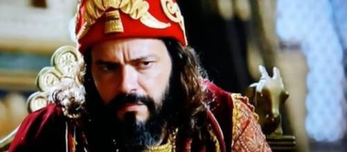 Nabucodonosor diz que Asher vai trabalhar no palácio (Foto: Reprodução/Record TV)