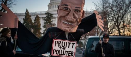 Protesting Scott Pruitt for EPA Director. / [Image by Lorie Shaull via Flickr, CC BY-SA 2.0]