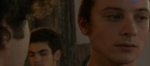 Un posto al sole: in arrivo una storia tra Sandro e Claudio