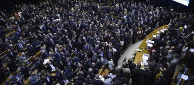 Câmara dos Deputados se prepara para análise de denúncia contra o presidente Temer