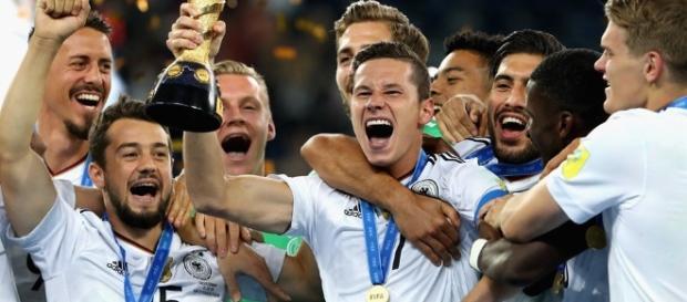 El equipo alemán ganó su primer Copa Confederaciones con su nueva generación de jóvenes futbolistas ( Via Twitter - @FIFAcom)