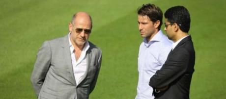 Antero Henrique, Maxwell et Nasser Al-Khelaïfi, discutent à propos d'un futur transfert.