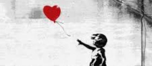 """Banksy's """"Girl With A Balloon"""" FAIR USE touchofmodern.com Creative Commons"""