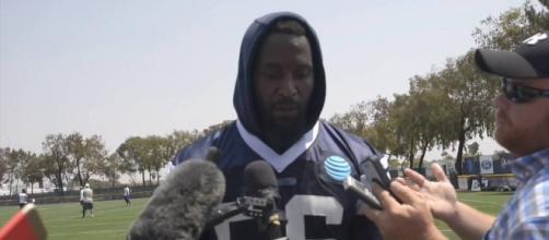 Dallas Cowboys bring back veteran linebacker as training camp starts - Photo: YouTube